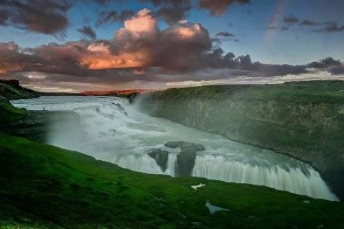 冰岛的黄金瀑布