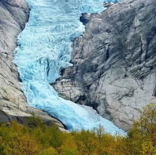 挪威的Briksdalsbreen冰川